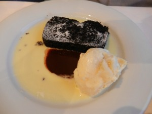 Chocolate & Guinness pudding with Baileys icecream.  Heavenly.