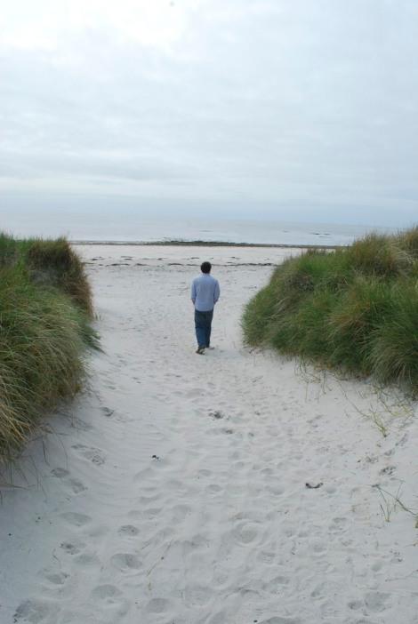 Heading down to the beach, Lochboisdale, South Uist