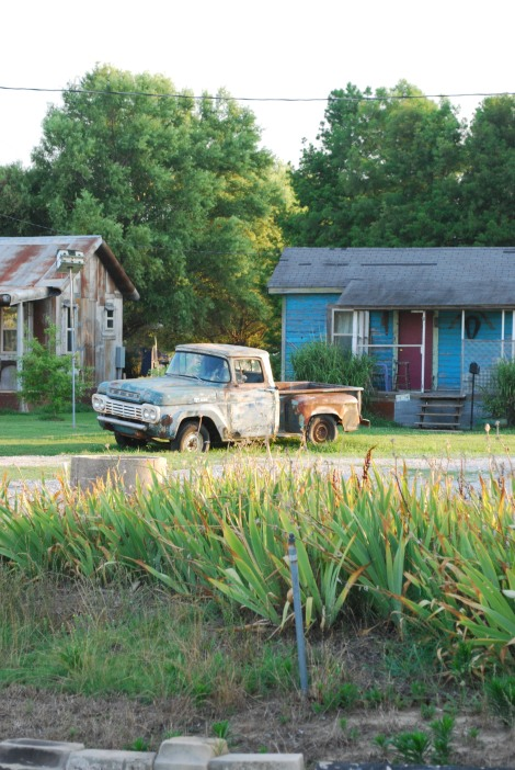 Yep.  Yet another old trucks (what can I say? I like old trucks!)
