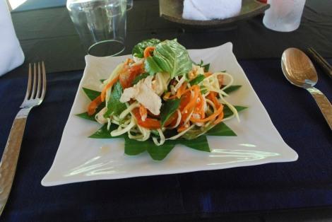 Green mango and chicken salad